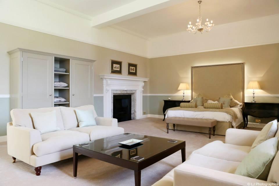 Amazing bridal suite at Farnham Castle in Surrey